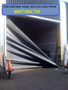 Sửa cửa cuốn tphcm ngoài giờ - dịch vụ cửa cuốn chuyên nghiệp uy tín - broken shutter door