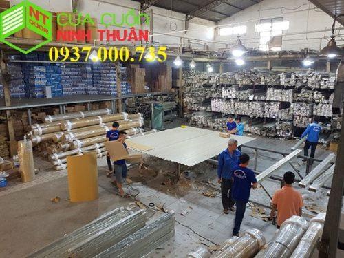 xưởng sản xuất cửa cuốn, xưởng cán lá